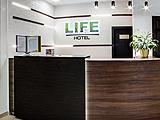 LIFE, Отель